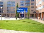 fachada-plaza-interior - avenida - pirineos
